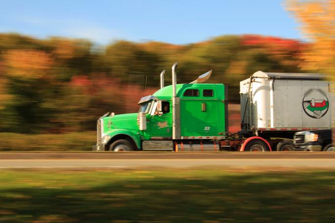 Benefits Of Hiring A Professional Truck Driver